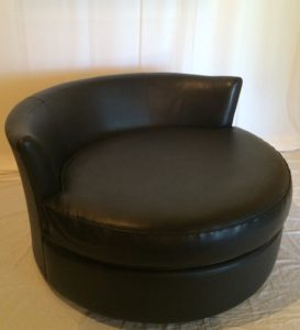 Black Swivel Lounge Chair